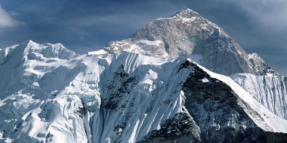Mount Everest grows in height