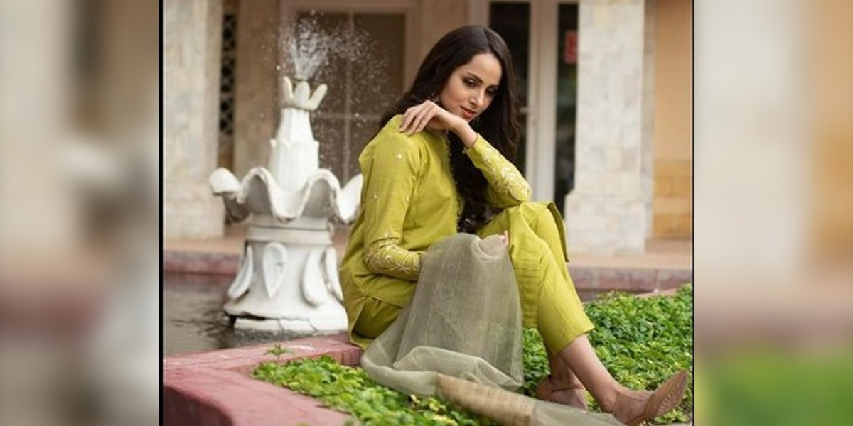 Nimra Khan Steals The Limelight In Olive Green Ethnic Dress