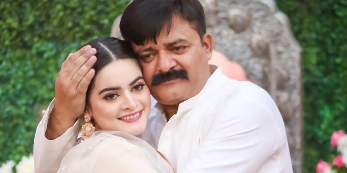 Minal Khan father