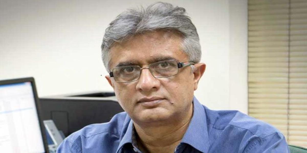 SAPM Dr Faisal Briefs Regarding Vaccine Shortage In Country