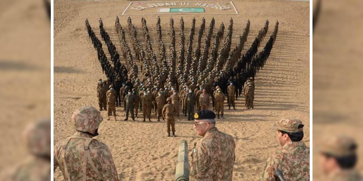Army Chief visits Thar Desert