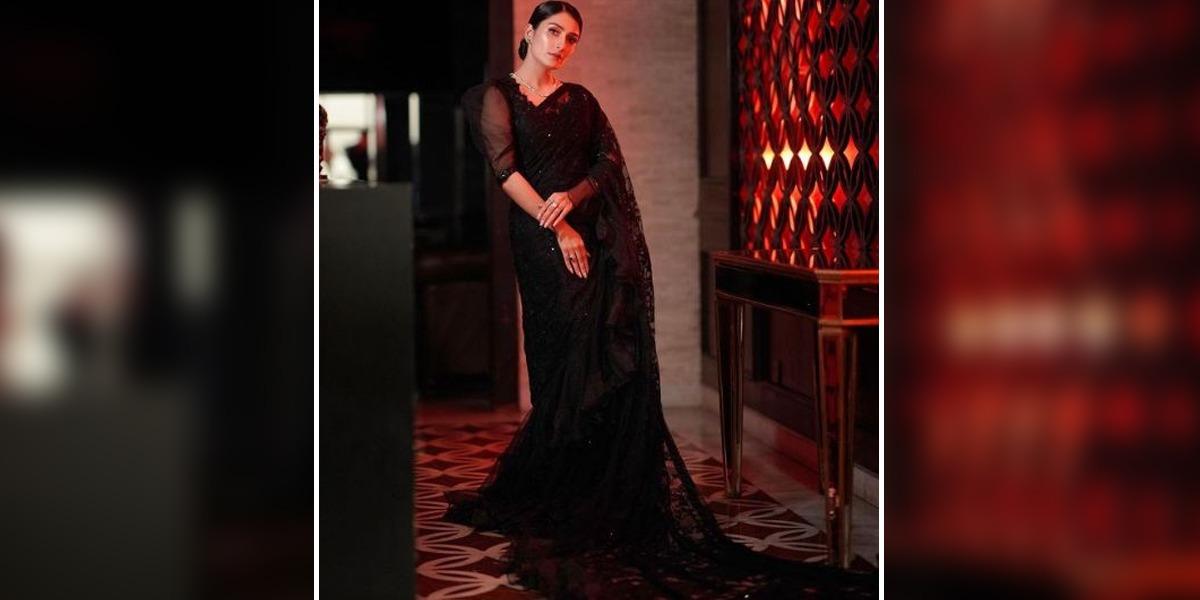 Ayeza Khan black saree