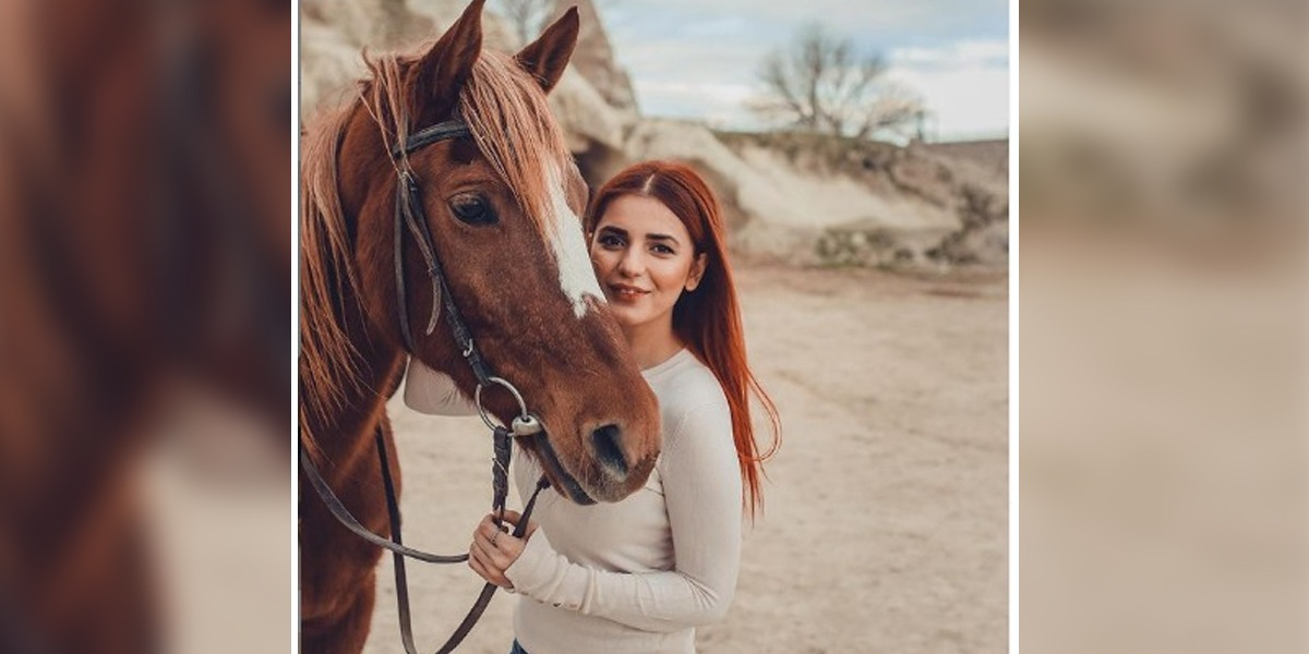 Momina Mustehsan Enjoys Horse Riding Session In Capadócia