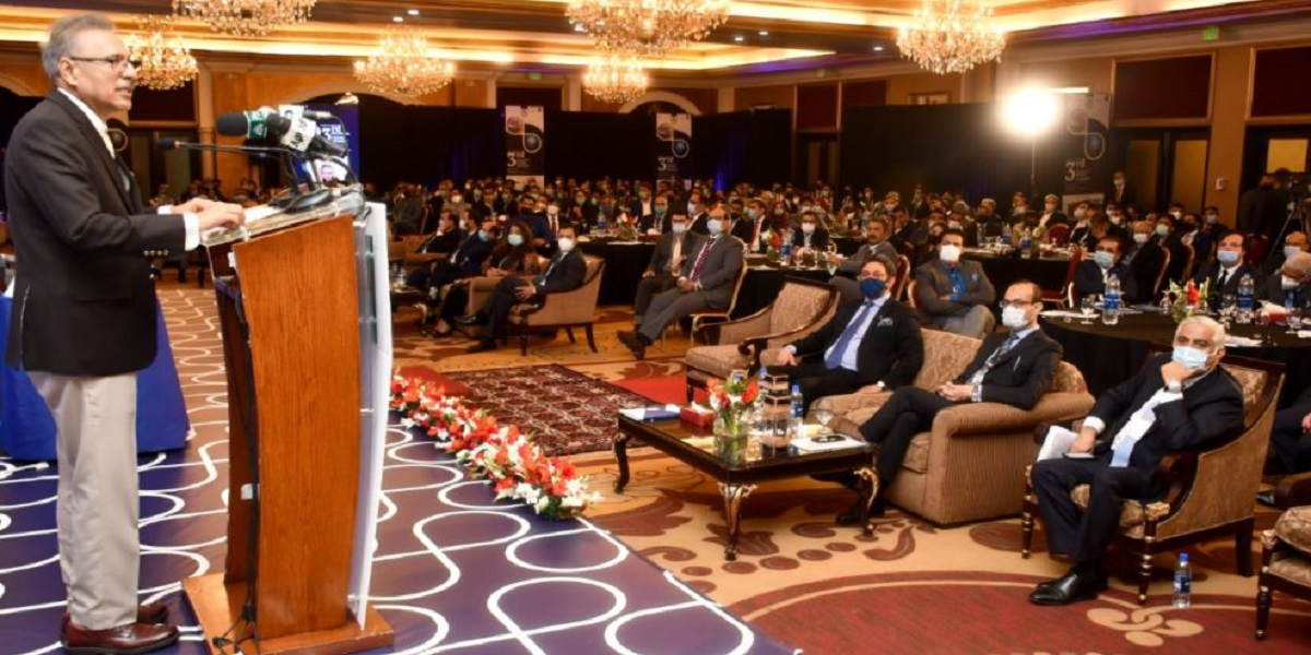 Economy put on right trajectory due to Government's policies, President Alvi