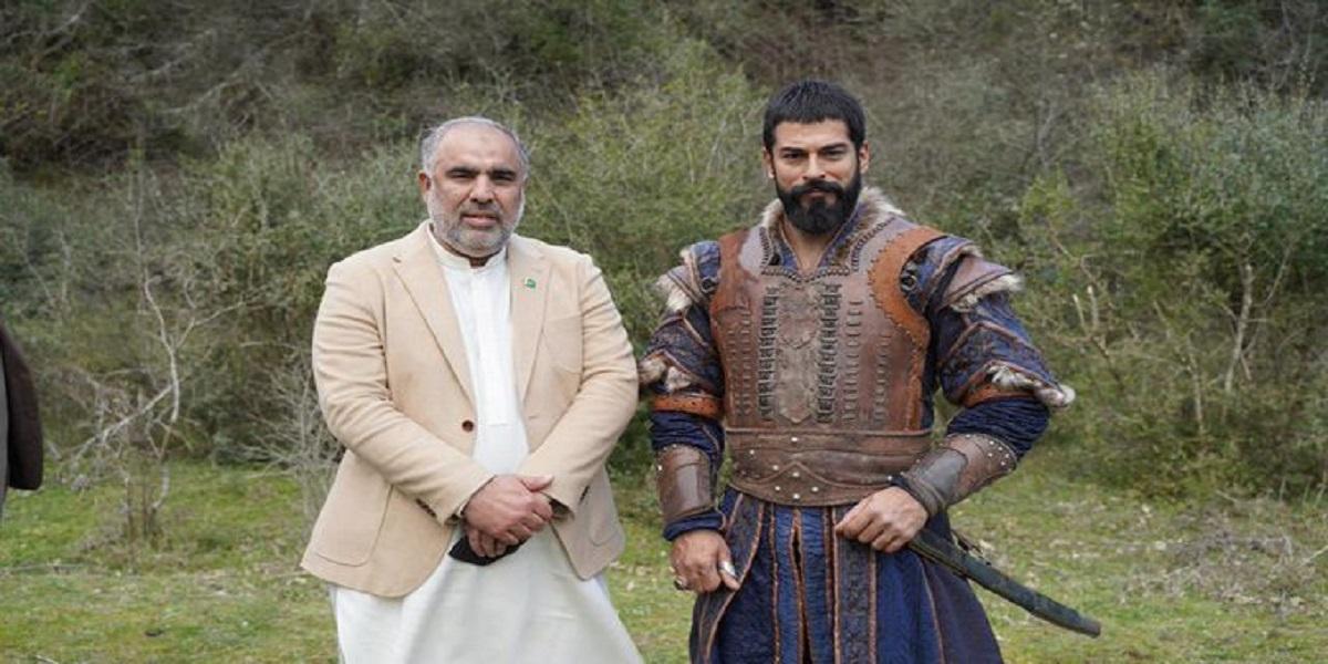 Asad Qaiser meets Burak Ozcivit aka Osman Bey