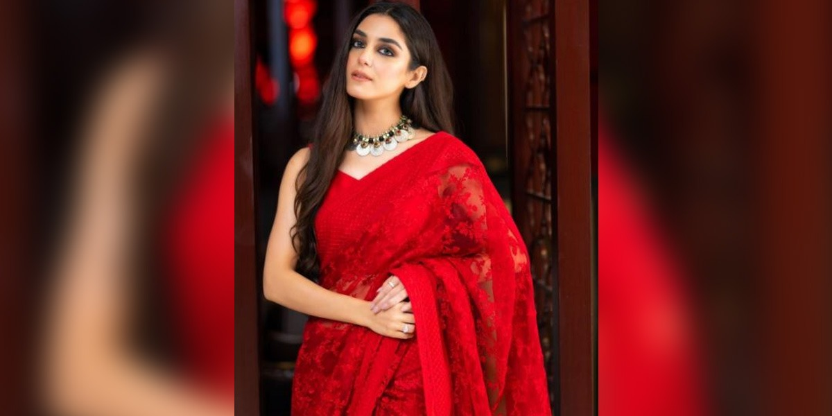 Maya Ali red Saree