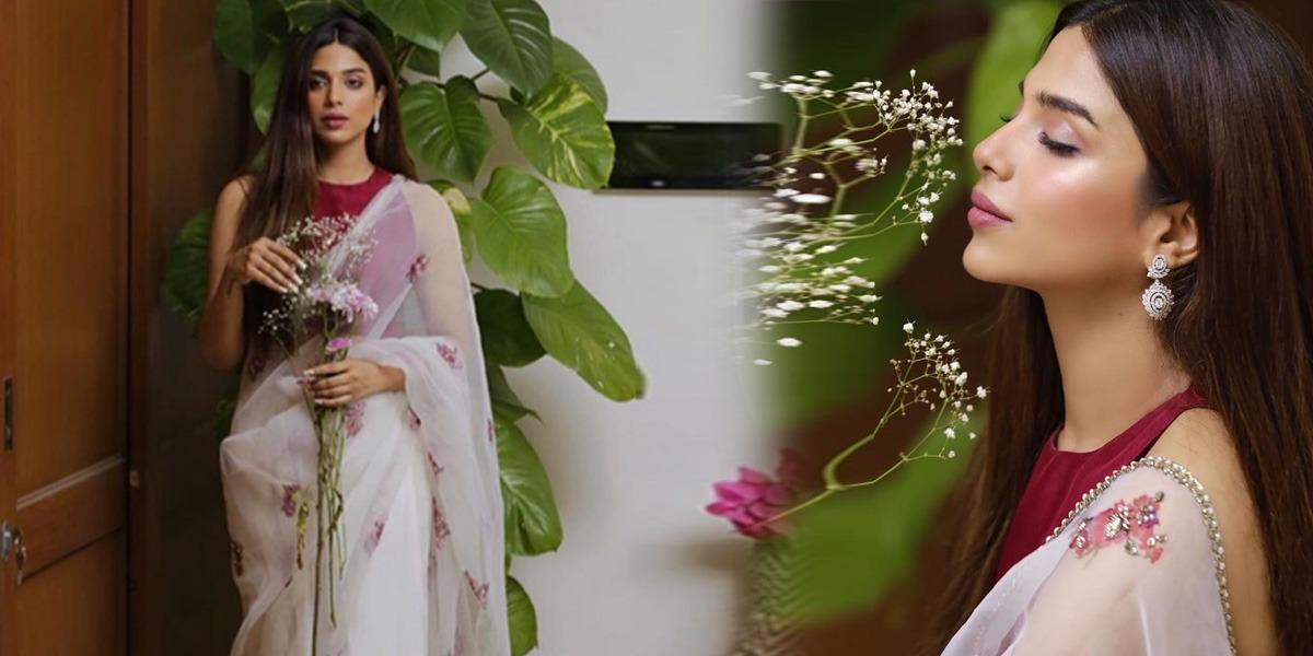 Sonya Hussyn Exuding Supreme Elegance In This Ivory Floral Saree