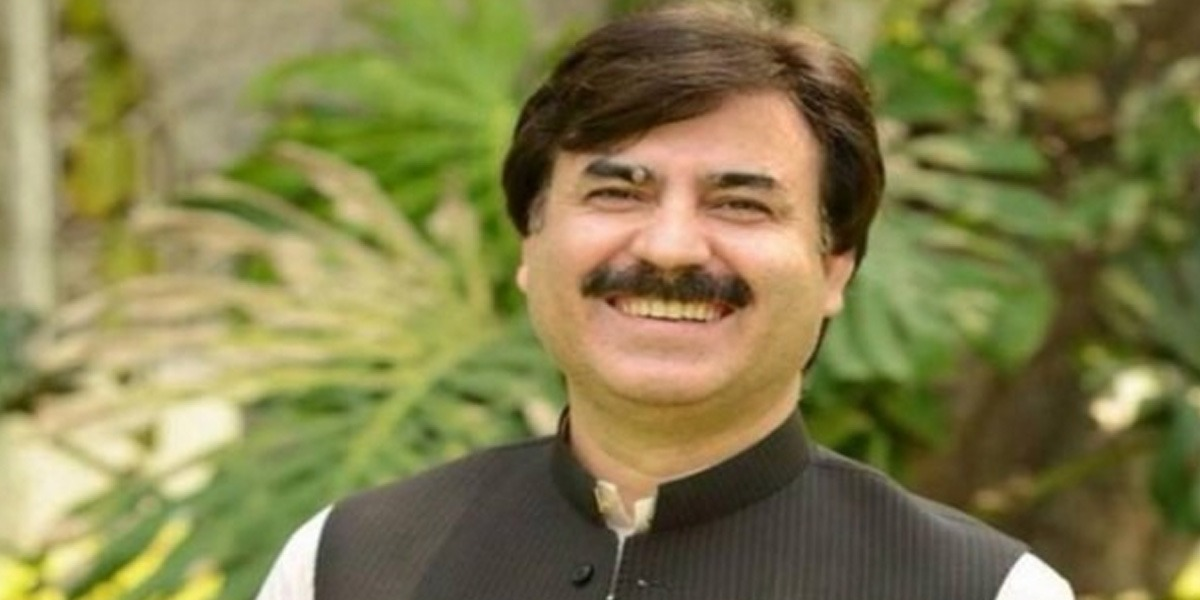 Traffic Warden Suspended For Asking About Housing Scheme To Shaukat Yousafzai