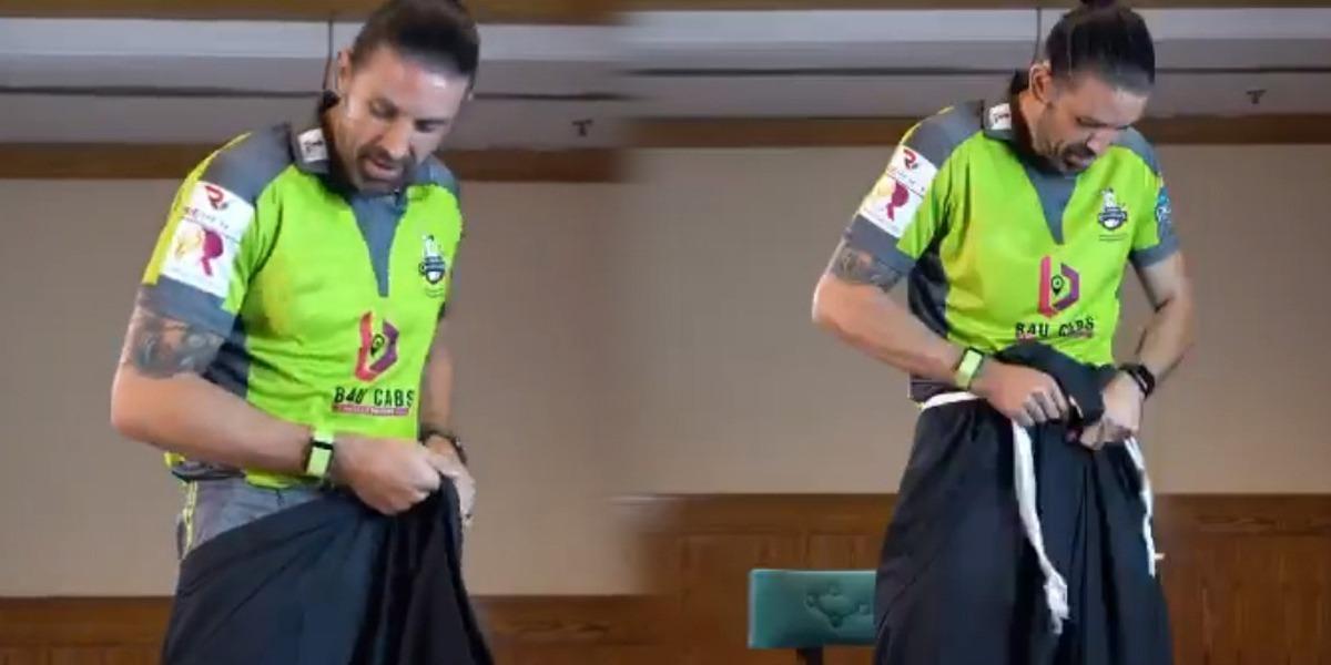 "PSL 6: Foreign Players Ace Fun ""Shalwar Challenge"""