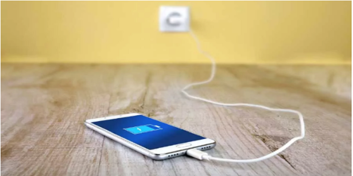 Teen girl dies as fire broke out in headphones of a charging mobile phone
