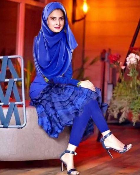 Saba Qamar Modest Version