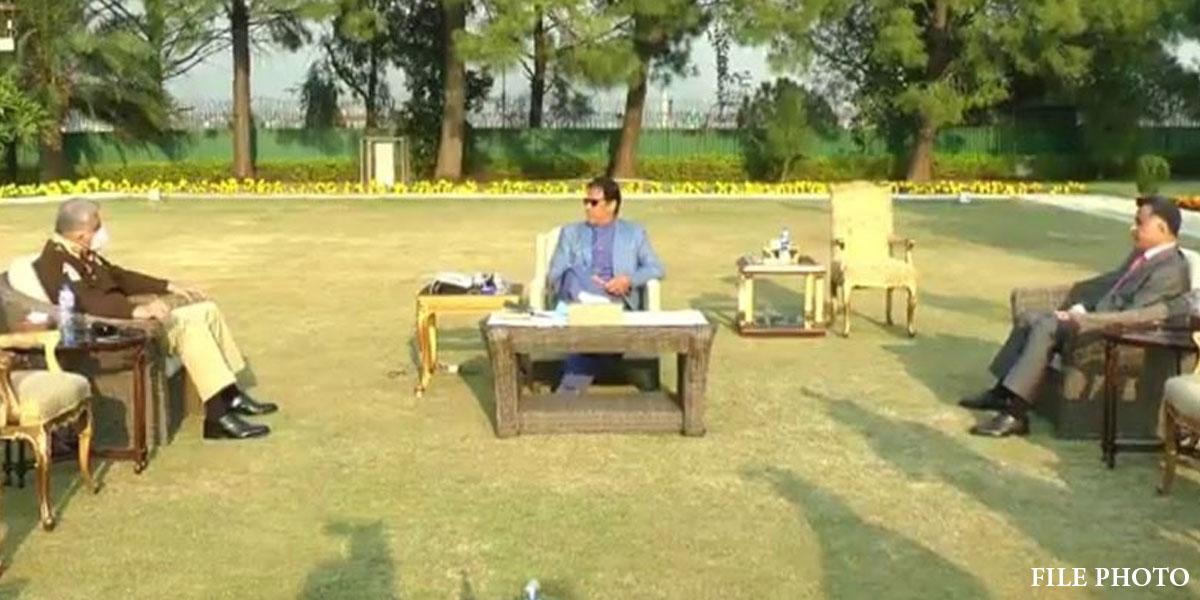 PM Meets COAS Bajwa