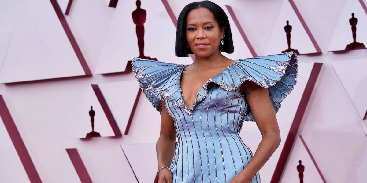 Regina King's Oscar 2021 gown was made with 62,000 sequins and took 140 hours to complete