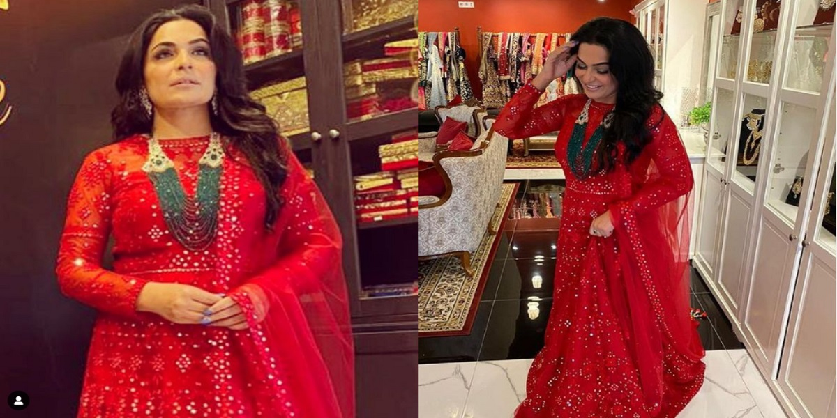 Meera Jee looks gorgeous in eastern red outfit