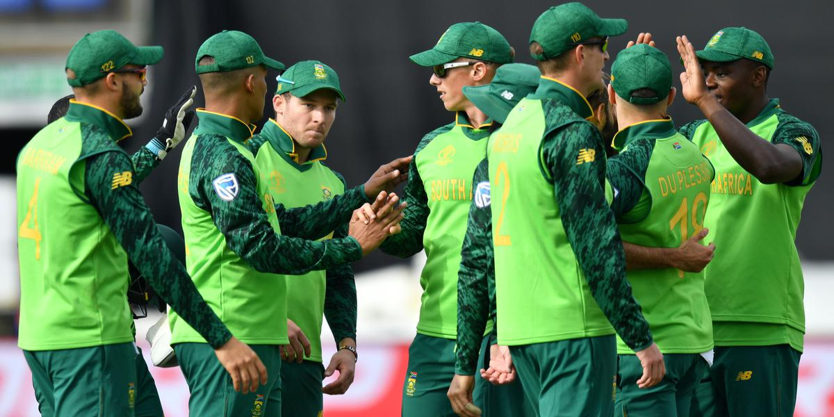 South Africa's players apologize to sponsors for suits' performance
