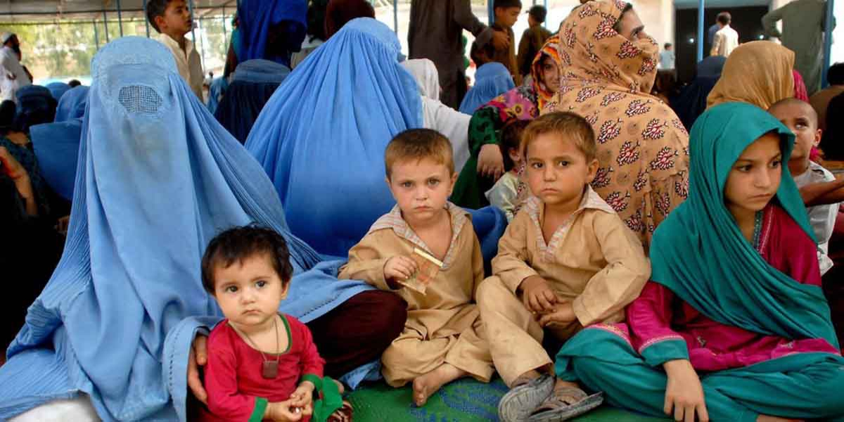 Pakistan Kick-Starts Campaign To Verify 1.4M Afghan Refugees