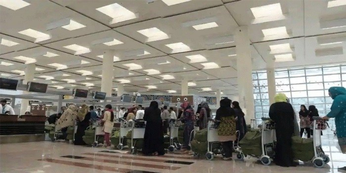 CAA Extends Entry Ban Of Visitors At Allama Iqbal International Airport