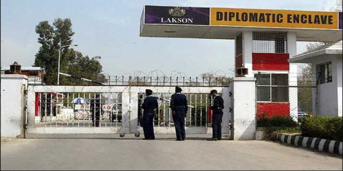 """Many French Citizens Decide To Stay In Pakistan Despite """"Advisory"""""""