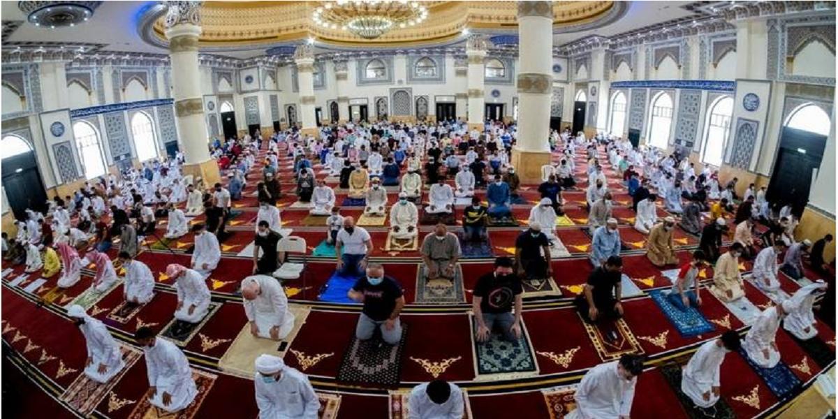 UAE: First Friday prayers of Ramadan