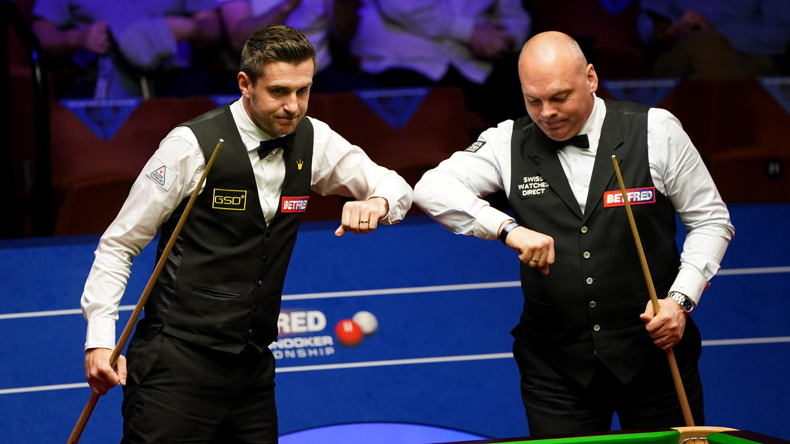 World Snooker Championship: Mark Selby and Shaun Murphy to meet in final