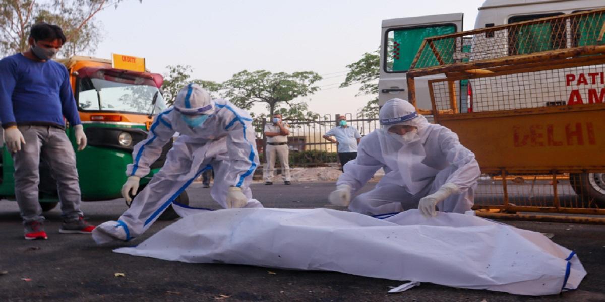 India's COVID-19 death toll crosses 300000 mark