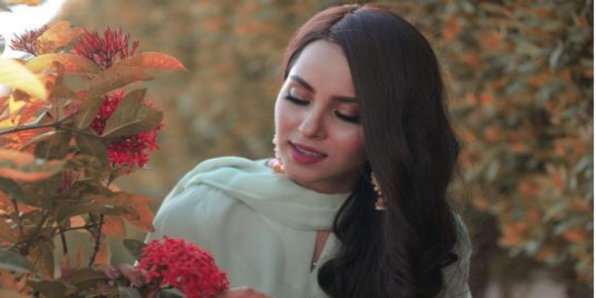 Nimra Khan Flaunts Ravishing Looks In Gorgeous Pastel Green Dress