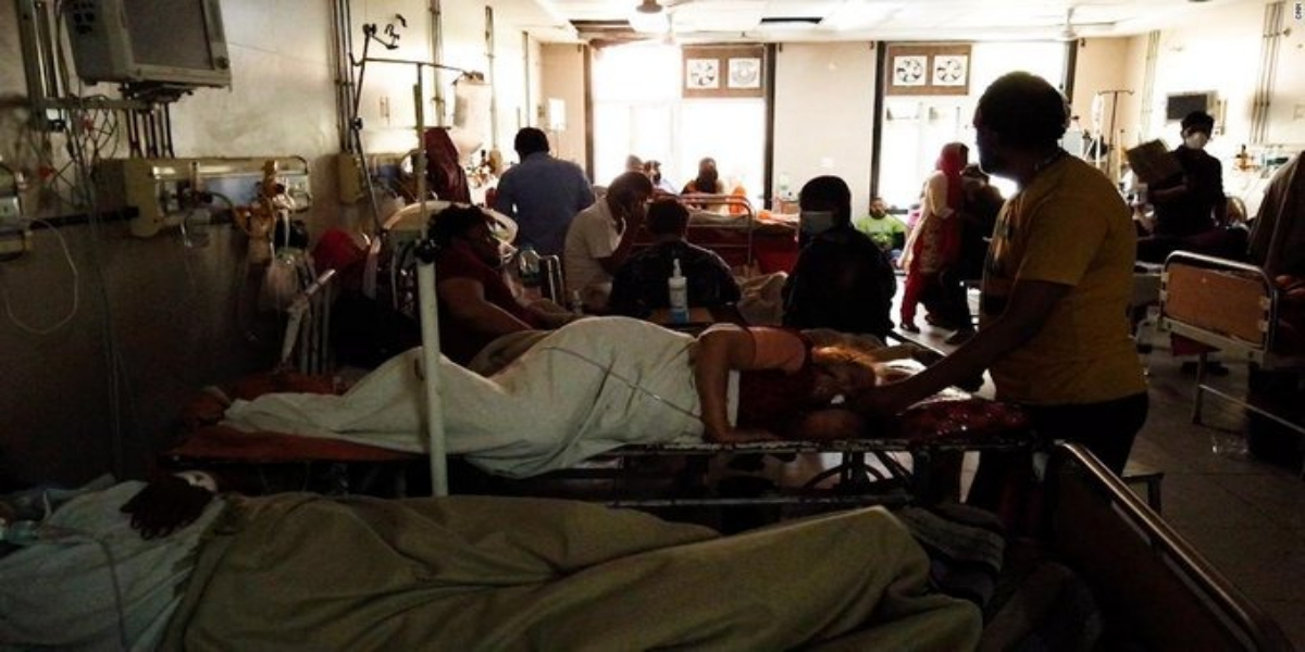 American News Channel Shows Harrowing Scenes From Indian Hospital