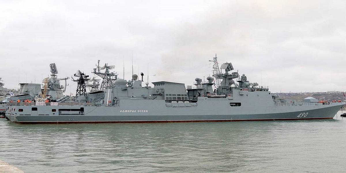 The Black Sea Fleet of Russia Threatens To Destroy US Ship As it Enters Russian Seas