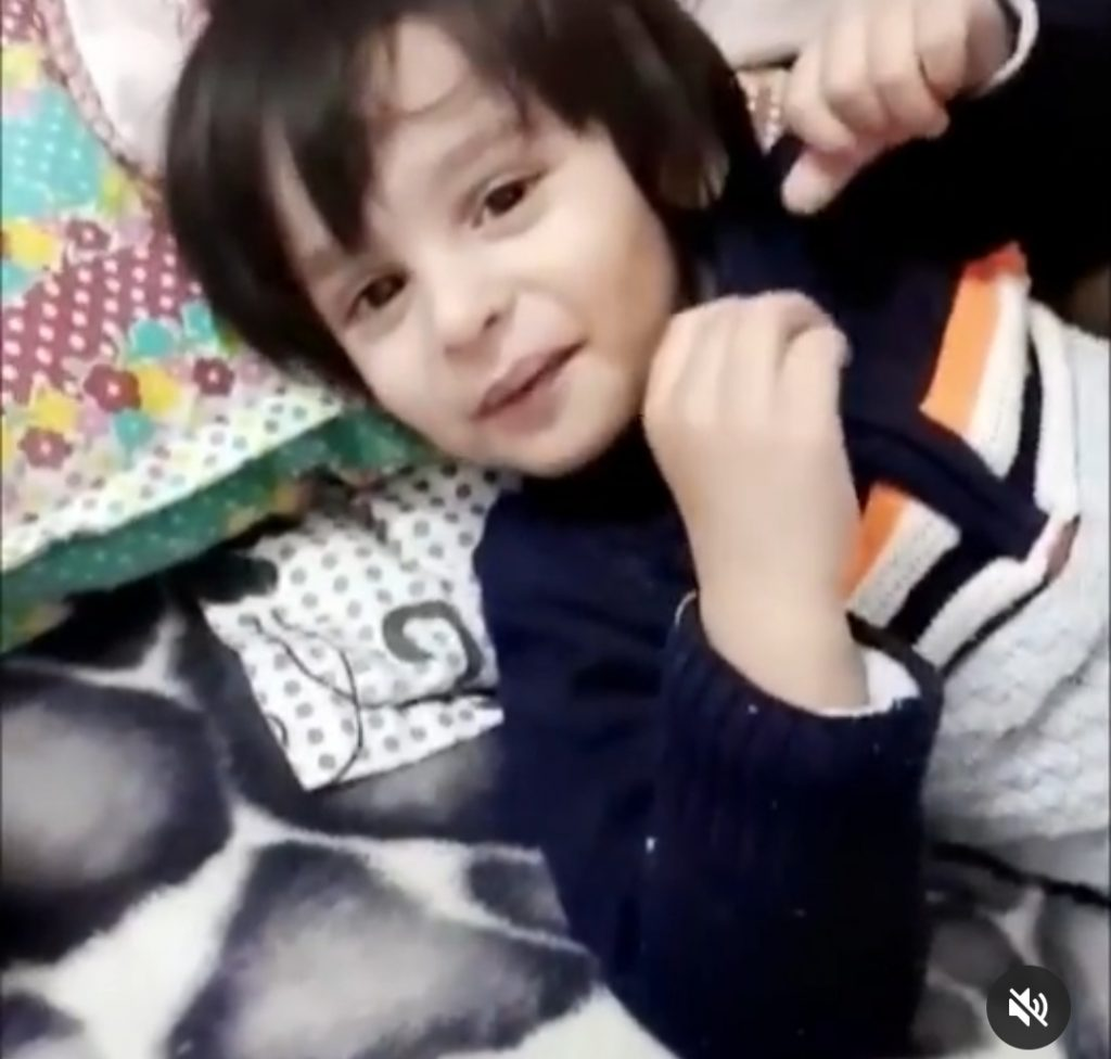 Shoaib-Akhtar-With-Sons