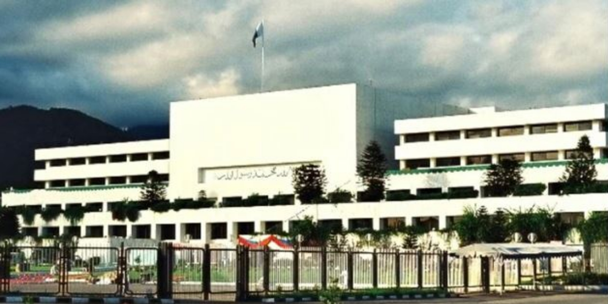 Speaker NA To Convene Parliamentary Meeting: Military Bigwigs Likely To Attend