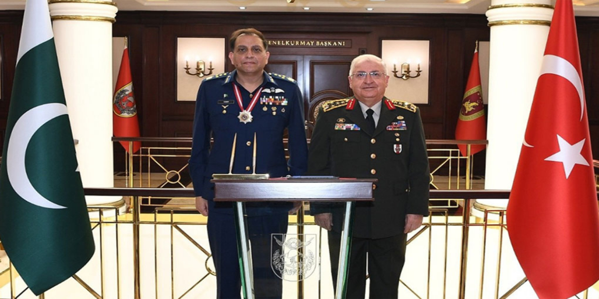 Pakistan-Turkish Senior Military Leadership Discuss Defense Ties