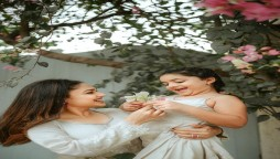 Sanam Jung and her daughter wear matching outfits and look adorable