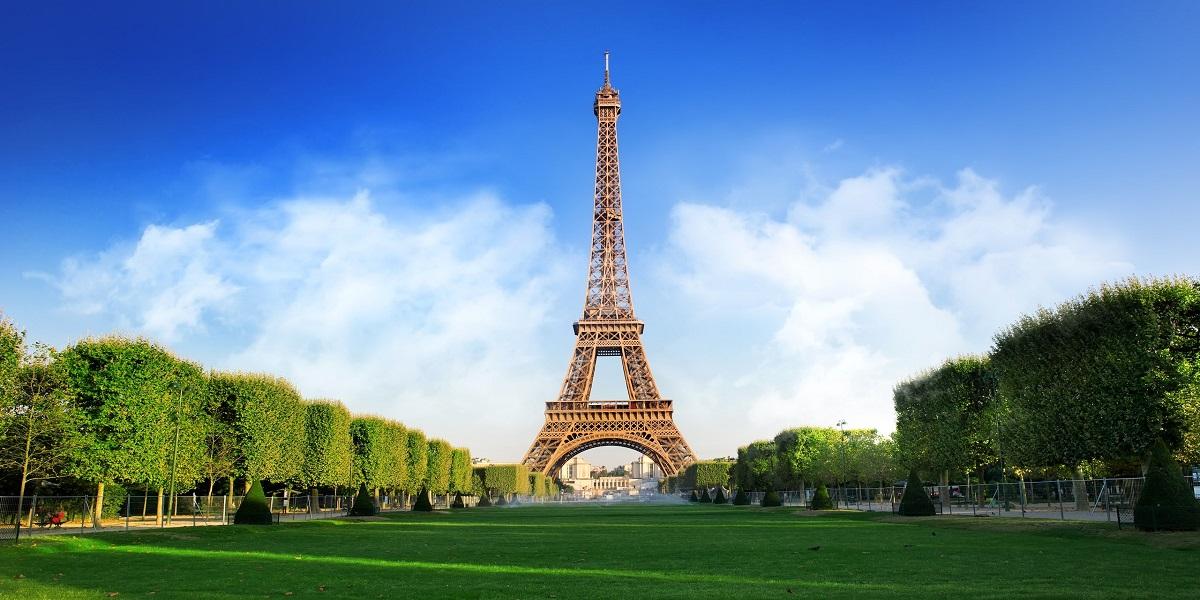 Eiffel Tower reopen