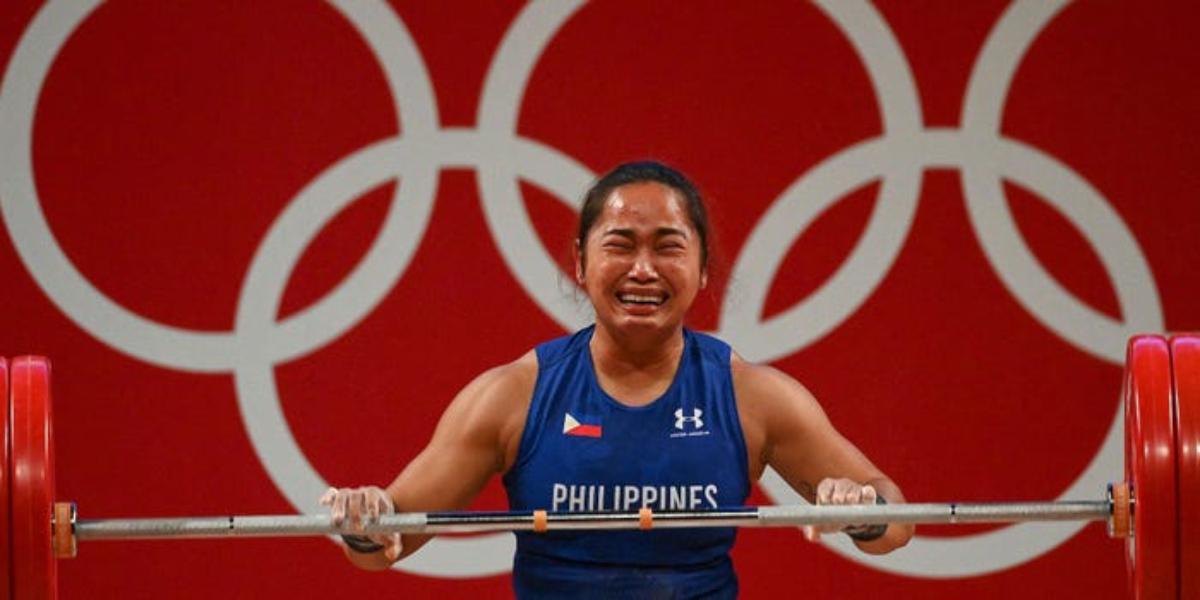 Hidilyn Diaz weightlifting