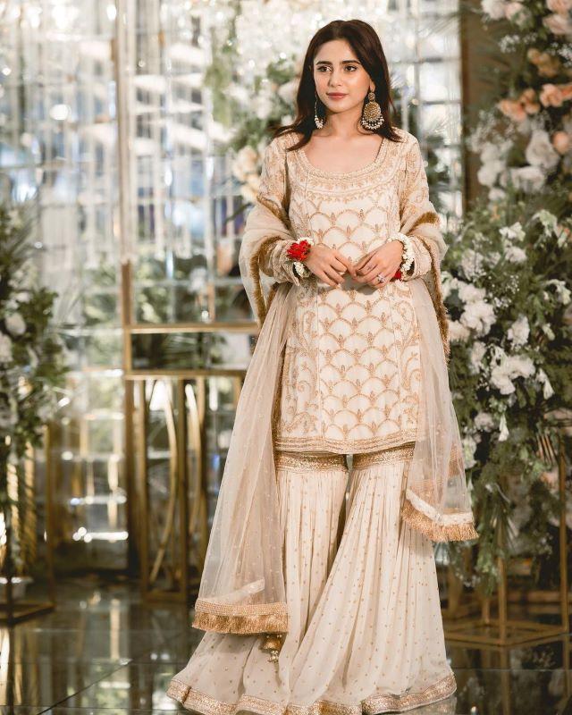 Aima Baig Looks Smashing At Her Best Friend's Wedding