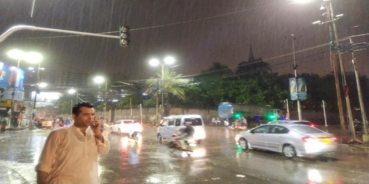 Overnight Rainfall Causes Waterlogged, More Rain Predicted In Karachi