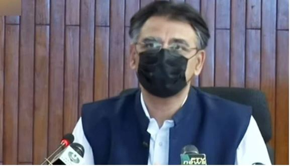 Asad Umar extends kudos for media team's role in Covid-19 response
