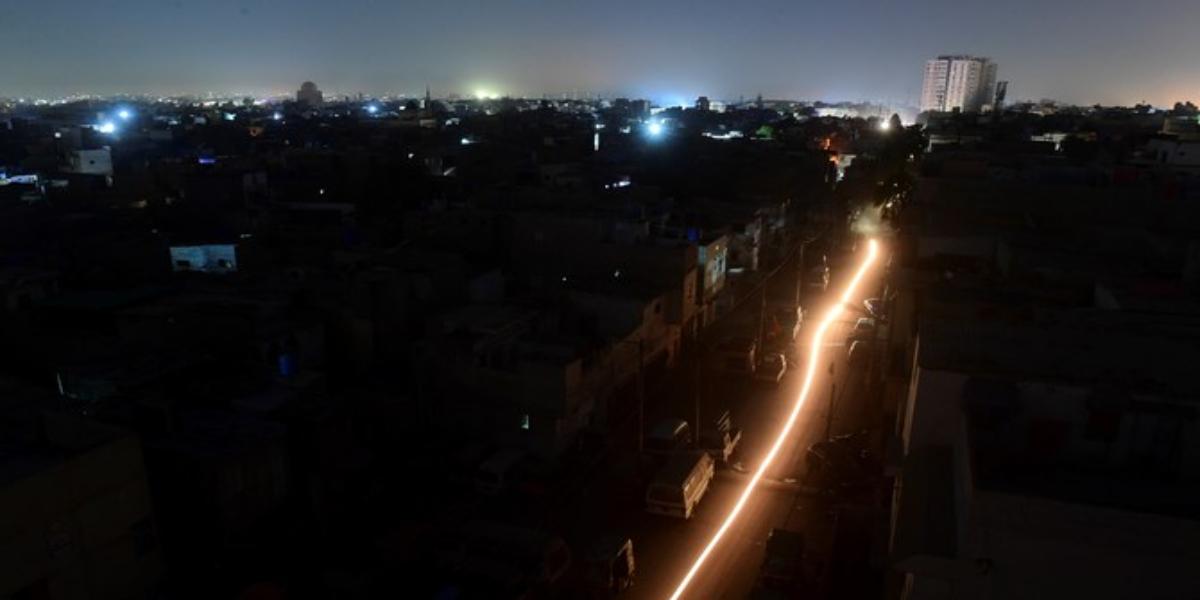 Karachi power breakdown heavy rain