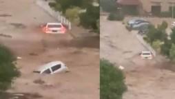 Islamabad Flooding cars floating