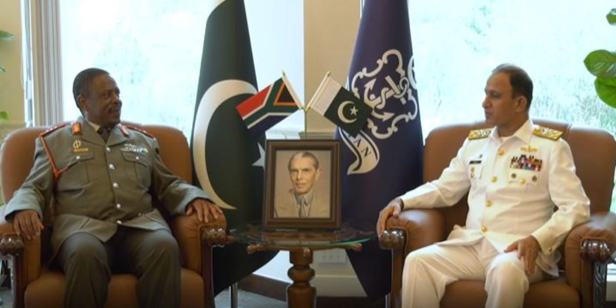 Naval Chief meets Chief of South African National Defence Forces