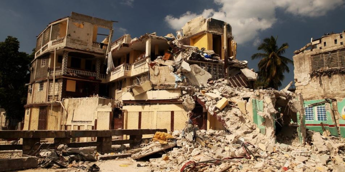 Haiti earthquake leaves 300 people dead