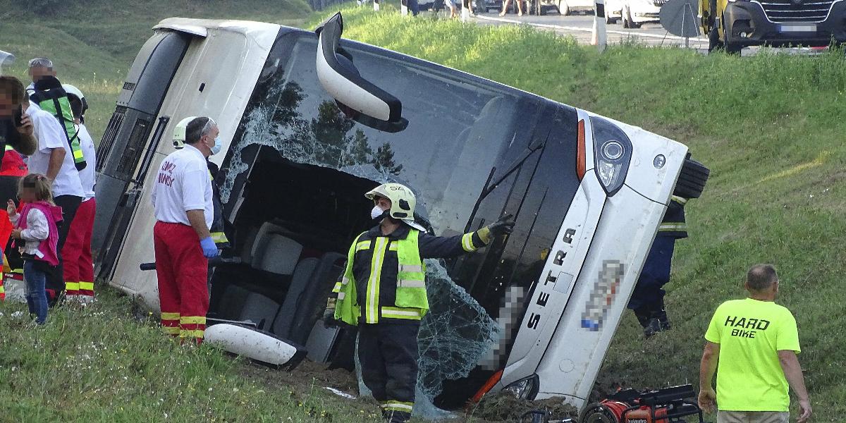 Hungary bus crash
