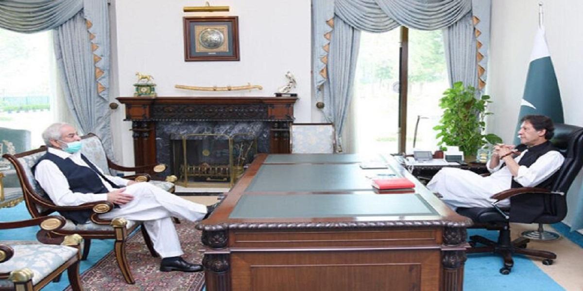 Imran Khan insists Ehsan Mani to remain as PCB chairman