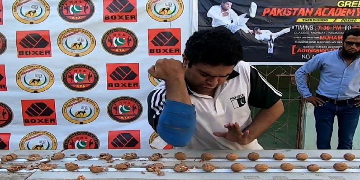 Rashid Naseem breaks another Indian record of crushing most walnuts