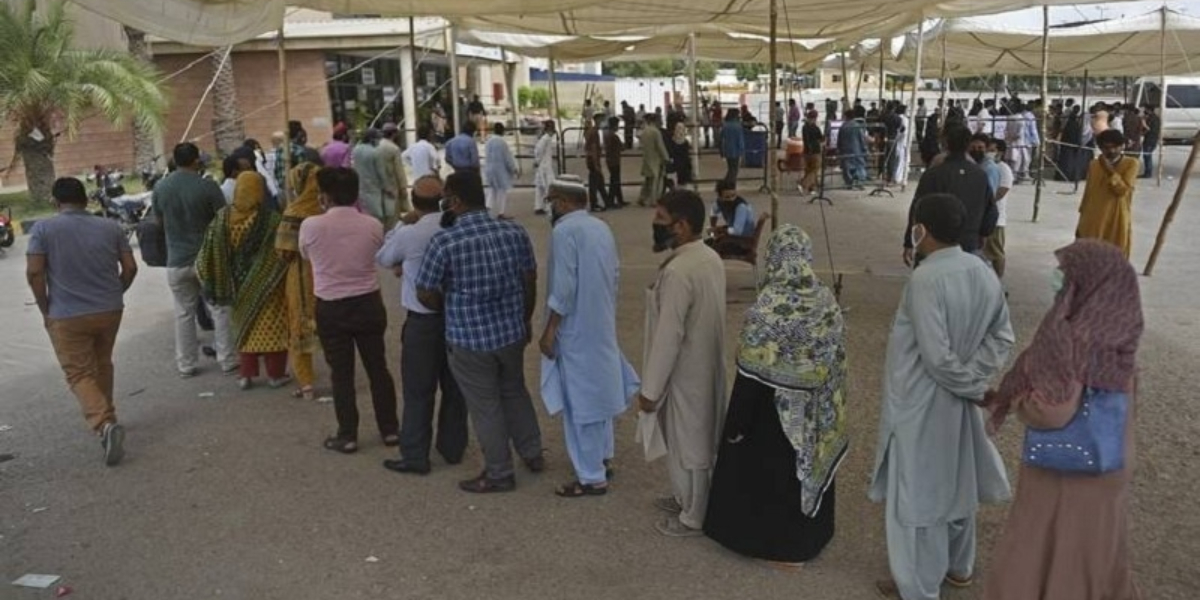 Vaccination centres in Karachi Expanded