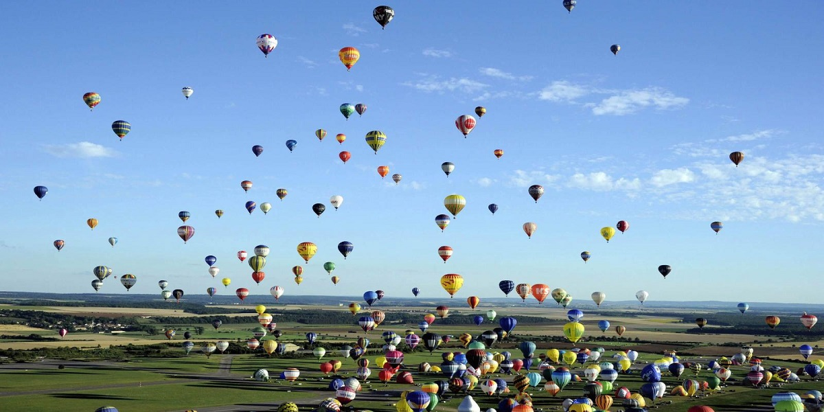 Hot Air Balloon Festival sets a new world record with 524 simultaneous launches