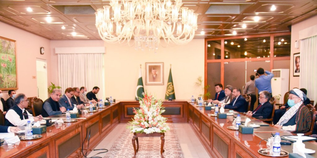 FM Qureshi holds meeting with political delegation of Afghanistan's leaders