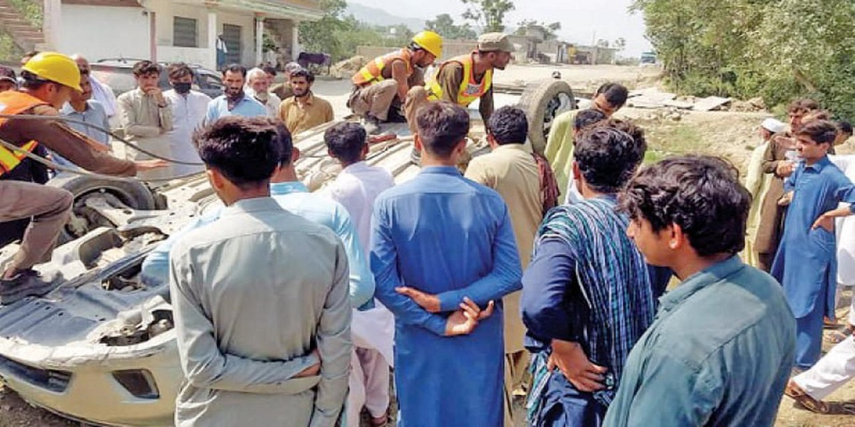 One killed, four wounded in Bajaur road accidents: Rescue 1122