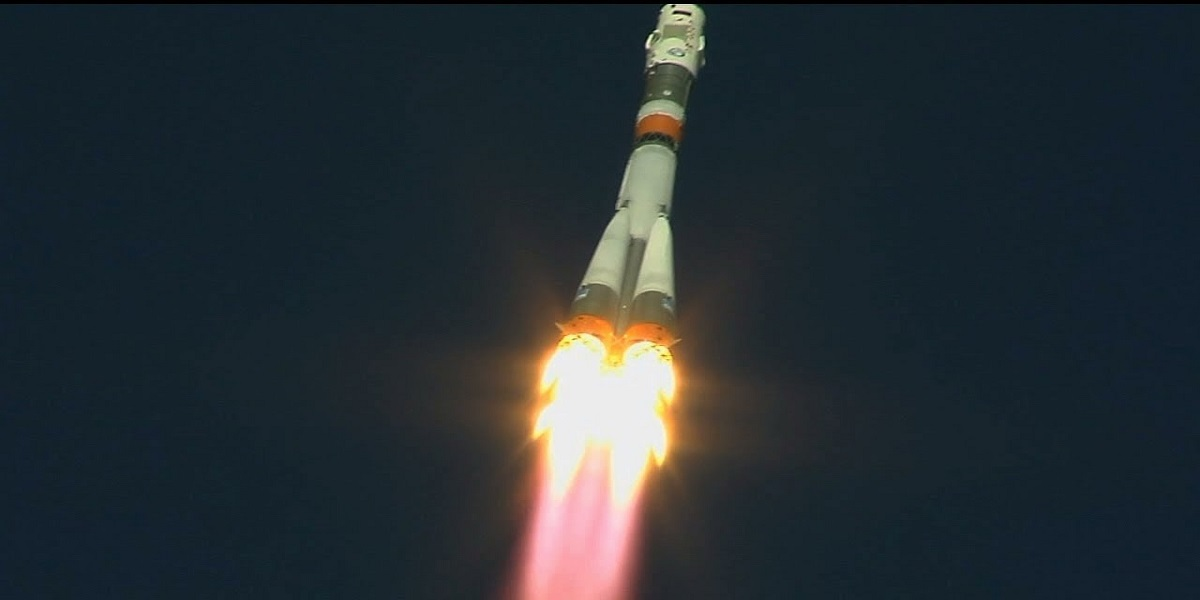 Russian rocket carrying the crew of the Space Station crashes in mid-air