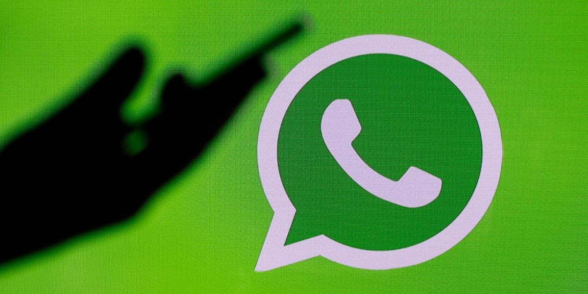 WhatsApp will soon let you view status by just one click on display